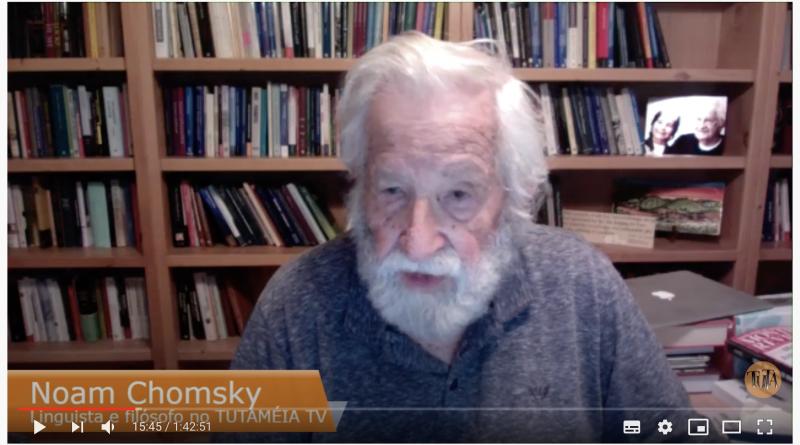 """""""Trump é Tragédia, Bolsonaro é Farsa"""", diz Chomsky"""